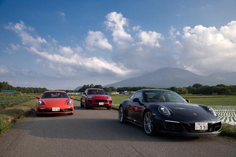 強化されたパワーと、充実した装備を誇るポルシェ伝統の高性能グレード「GTS」。高額ながらもポルシェ各車...