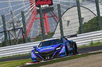 3位もホンダ勢。No.100 RAYBRIG NSX-GT(山本尚貴/伊沢拓也)が表彰台にのぼった。