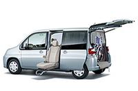 ホンダ「モビリオ」「ザッツ」に福祉車両の画像
