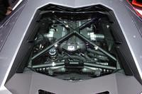 L539型と呼ばれる新しいV12気筒エンジン。ドライサンプの採用などにより、低重心化も図られた。