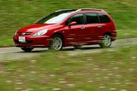 【スペック】307SW:全長×全幅×全高=4420×1760×1585mm/ホイールベース=2720mm/車重=1430kg/駆動方式=FF/2リッター直4 DOHC16バルブ(137ps/6000rpm、19.4kgm/4100rpm)/価格=295万500円(テスト車=同じ)