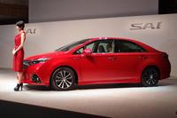 ハイブリッド車「トヨタSAI」新デザインで発売の画像