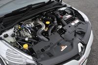 最高出力220psを発生する「ルーテシアR.S.トロフィー」の1.6リッター直4ターボエンジン。スタート&ストップ機能も備わる。