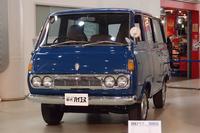 初代「トヨタ・ハイエース」。1967年に発売された。