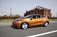 『webCG』の試乗記コーナーに徳大寺さんが登場したのは2010年4月のこと。最初の試乗車は「ホンダCR-Z」だった。(写真=河野敦樹)