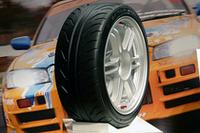 グッドイヤーからスポーツとミニバン向け、2本の新しいタイヤ登場