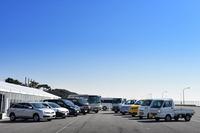 ずらりと並んだ日産の小型商用車(LCV)。日産が世界で販売する新車の5台に1台がLCVという。