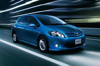 「トヨタ・オーリス」エンジン変更で燃費アップ