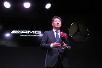 AMG東京世田谷のオープン発表会にてあいさつする、メルセデス・ベンツ日本の上野金太郎代表取締役社長兼CEO。