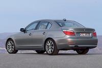 【写真上下】BMW5シリーズ「セダン」