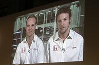 ジェンソン・バトン、ルーベンス・バリケロは、衛星中継でコメントを寄せた。