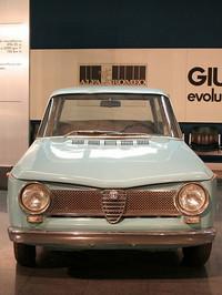 1954年の前輪駆動試作車「ティーポ103」。