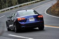 マセラティ・ギブリS Q4     ボディーサイズ:全長×全幅×全高=4970×1945×1485mm/ホイールベース:3000mm/車重:2030kg/駆動方式:4WD/エンジン:3リッターV6 DOHC 24バルブ ターボ/トランスミッション:8AT/最高出力:410ps/5500rpm/最大トルク:56.1kgm/1650rpm/タイヤ:(前)235/50ZR18 (後)275/45ZR18/価格:1010万円(消費税5%込み)