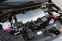 EV走行距離(目標値)は60km以上。EV走行時の最高速は135km/hがうたわれている(日本仕様車の場合)。