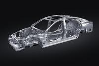 新型にはレクサスのFR車用新プラットフォーム、GA-Lが採用されている。