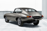 新車同然の「ジャガーEタイプ」を10台限定で販売の画像
