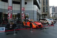 発表会の会場となったHondaウェルカムプラザ青山の入り口には、レーシングカーがズラリ。