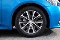 ターボ車専用デザインの17インチアルミホイール。オプションで、ブラックスパッタリング塗装の18インチアルミホイールも用意される。
