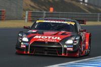 最終戦もてぎの勝利こそ逃したものの、松田次生/ロニー・クインタレッリ組のMOTUL AUTECH GT-Rは、2年連続でチャンピオンの座を手に入れた。