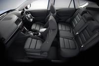 ドライバーオリエンテッドなデザインが採用されたインテリア。カラーリングは黒系で統一される。