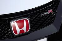 ホンダ車の中でも、動力性能を追求した「タイプR」だけに装着される赤い「H」のエンブレム。