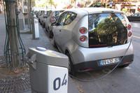 第164回:見た、乗った、驚いた! フランス・パリの最新EV事情(後編)の画像