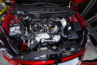 S耐の車両規定はグループNに準じ、改造範囲は狭い。1.5リッター直4ディーゼルターボエンジンは105psと22.4kgmを生み出す(6MT仕様の場合)。