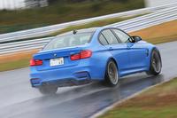 【スペック】BMW M3:ボディーサイズ:全長×全幅×高=4685×1875×1430mm/ホイールベース=2810mm/車重=1640kg/駆動方式:FR/3リッター直6 DOHC 24バルブ ツインターボ(431ps/7300rpm、56.1kgm/1850-5500rpm)