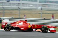 事実上今季を見限っているフェラーリにとっては、これが最良の結果だろうか。フェルナンド・アロンソ(写真)は予選でフェリッペ・マッサに負け6位、決勝では2回目のピットストップでマッサの先を行くことに成功し5位入賞、マッサが6位で続いた。(Photo=Ferrari)