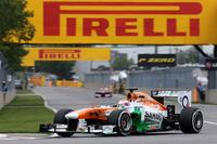 2戦連続予選Q1落ちの17位となったフォースインディアのポール・ディ・レスタは、チームとともにレースに向けて奇策を練った。多くがやわらかめのスーパーソフトを履く一方で、硬めのミディアムタイヤでスタート。何とレースの80%以上となる57周までそのタイヤで走り切り、1ストップで見事7位入賞を果たした。(Photo=Force India)