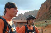 第4ステージでチームを組む、エリック・デン・オーデンダマー(左)と、吉岡伸一(右)。