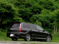 上中は「T-Touring」。下は「Rallyart Edition」。