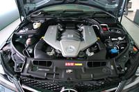 最近登場したAMGモデルはほとんどが5.5リッターターボにダウンサイジングしているが、「C63 AMG」は6.2リッターNAの「M156」を継続して搭載する。