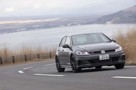 すでに本国ドイツでは新型となる第8世代モデルがデビューする中、日本に上陸したのが「フォルクスワーゲン...