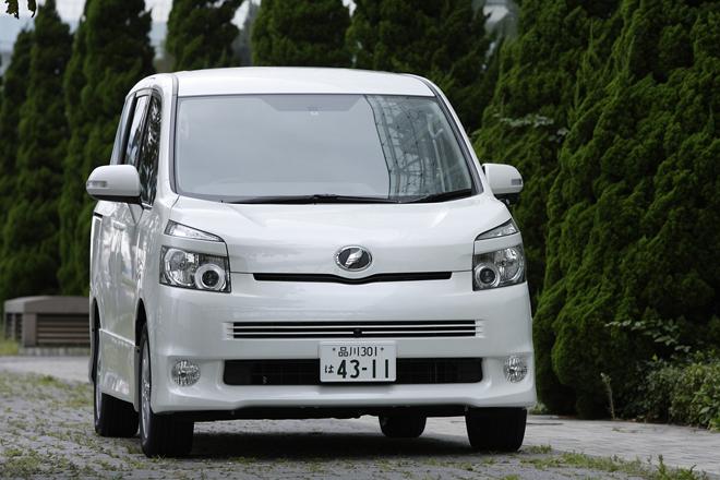トヨタ・ヴォクシーZS(FF/CVT)【ブリーフテスト】