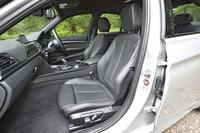 試乗車はオプションのダコタレザーシート装着車。標準のシート表皮はファブリック。