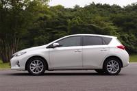 先代モデルに比べ、全高は55mmダウン。ドライバーの着座位置も40mm低められている。なお、2600mmのホイールベースは変わらない。