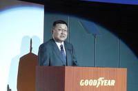 「大型高級車に乗っている人ほど環境意識が高い」と語る、日本グッドイヤーの谷川光照社長。