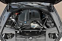 エンジンルーム。写真は、3リッター直6ターボを積む「640i グランクーペ」のもの。