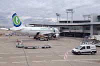 パリ・オルリー空港。主に欧州圏内の短・中距離路線や、アフリカ方面の飛行機の発着を受け持っている。