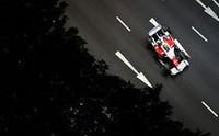 トヨタ勢は、1ストッパーのヤルノ・トゥルーリがセーフティカーの混乱で一時トップへ。しかし5位走行中にハイドロリックトラブルにより戦列を去った。ティモ・グロック(写真)は、予選7位から4位入賞を果たし、激烈なコンストラクターズ4位争いに貴重なポイントをもたらした。(写真=Toyota)