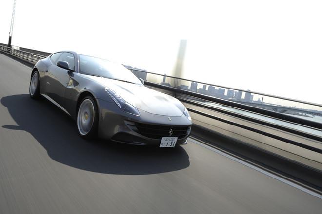 フェラーリ・フォー(4WD/7AT)【試乗記】