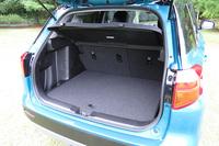 荷室の容量は、ラゲッジボードを装着した状態で362リッターとなっている。