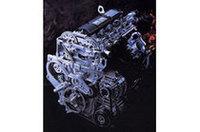 2.2リッター直4「ECOTEC」ユニット。欧州にはこのほか、ガソリンエンジンが2種類(1.8リッター直4、3.2リッターV6)、ディーゼル2種類(2リッター直4、2.2リッター直4)が用意される。