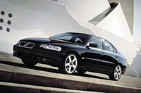 ボルボの高性能「S60R」「V70R」、05年限定モデル発売の画像