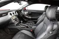 V8エンジンを搭載した「GTファストバック」のインテリア。