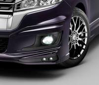 「ステップワゴン スパーダ」用の「LEDフォグライト」と「エアロイルミネーション」。