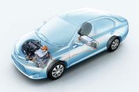 パワーユニットは74ps、11.3kgmの1.5リッター直4エンジンと、61ps、17.2kgmのモーターの組み合わせ。システム全体では100psの最高出力を発生する。