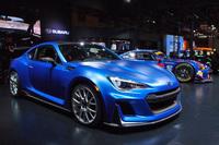 「STI Performance Concept」(写真)は、STI製の内外装部品を装着したコンセプトカー。STIのパーツビジネスとコンプリートカービジネス、モータースポーツ活動を1台で表現したモデルとされる。