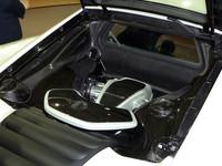 600psを発生する自社製3.8リッターV8ツインターボエンジンを搭載。330km/hの最高速をうたう。